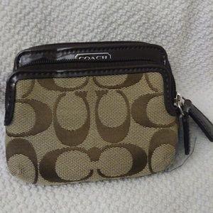Coach woman window wallet